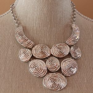 Acarcia necklace