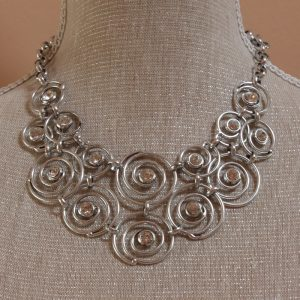 Vintage twisted spiral design necklace
